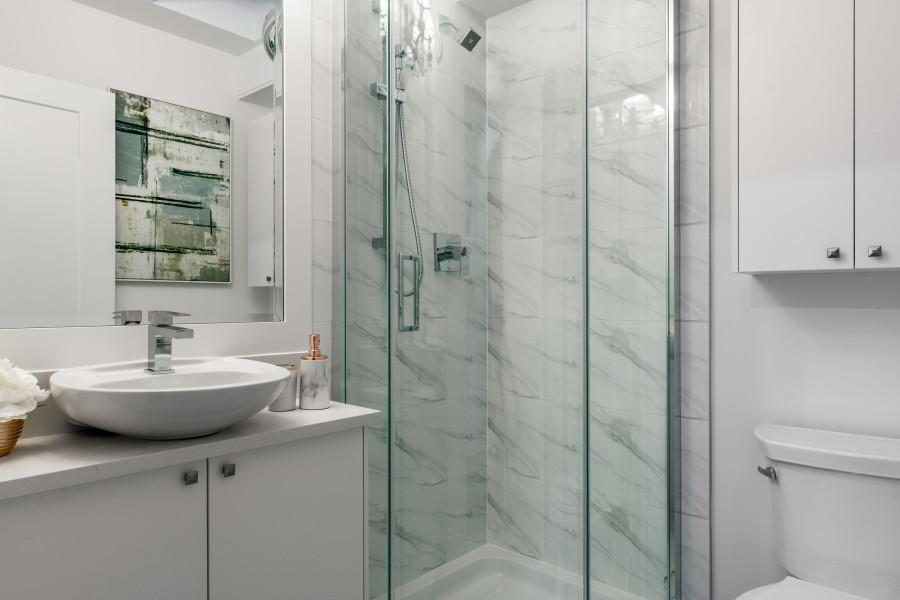 Bathroom-Upper